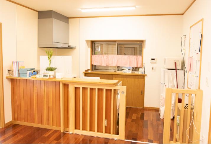 キッチン(おやまのこ)
